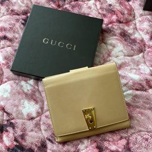 Gucci leather French purse wallet